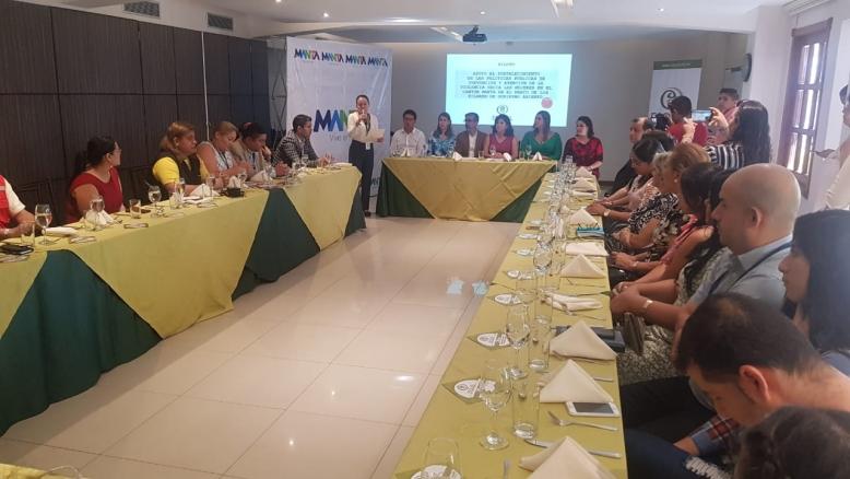 Organizaciones se comprometen a apoyar iniciativa de Esquel y el Municipio de Manta para erradicar la violencia contra la mujer